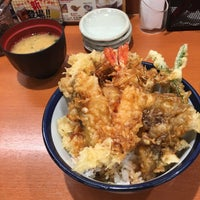 Photo taken at 天丼てんや 平塚田村店 by k m. on 10/19/2016