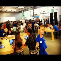 Photo taken at Apple by Harry H. on 10/14/2012
