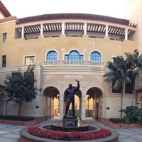 Photo taken at USC School of Cinematic Arts (SCA) by Alan C. on 11/3/2013