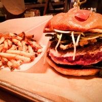 Das Foto wurde bei Hopdoddy Burger Bar von Jack H. am 4/9/2013 aufgenommen