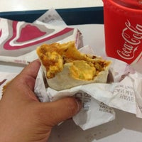Photo taken at Taco Bell by G H. on 11/15/2013