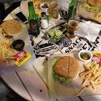 Foto tomada en Rockabilly Snacks & Beer por Oscar C. el 11/20/2015