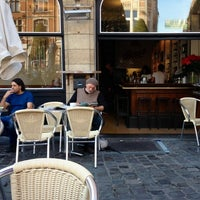 Photo taken at Metropole by Margot D. on 9/28/2014