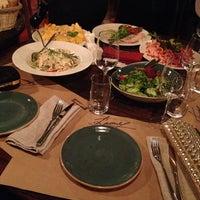 Foto tirada no(a) Винный бар «74» por Екатерина Ч. em 10/25/2014