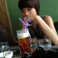 Photo taken at Analog Cafe by Nguyễn Tùng on 5/24/2013