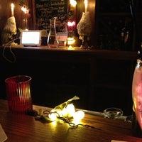 4/13/2013에 Elizabeth H.님이 Cork's Wine Bar에서 찍은 사진