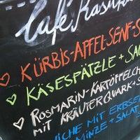 Das Foto wurde bei Café Kasuka von Bab R. am 2/27/2014 aufgenommen
