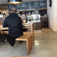 Das Foto wurde bei Kaffeehaus Villa von tim z. am 5/21/2015 aufgenommen