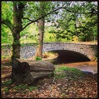 Foto tirada no(a) Rock Creek Park por Brad L. em 4/20/2013