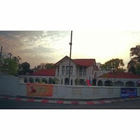 Photo taken at โรงเรียนดนตรีสยามกลการ นครภูเก็ต(บ้านคลังจินดา) by Kittipong J. on 2/17/2015