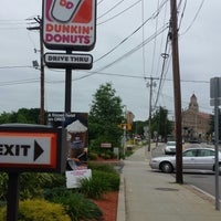 Photo taken at Dunkin' Donuts by Julie S. on 6/12/2014
