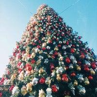 Photo taken at Fashion Island Gigantic Christmas Tree by Maicol C. on 12/30/2013