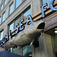 Photo prise au Legal Sea Foods par @0LGU1N le9/10/2012