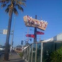 3/3/2012 tarihinde Charlee N.ziyaretçi tarafından Pann's Restaurant & Coffee Shop'de çekilen fotoğraf