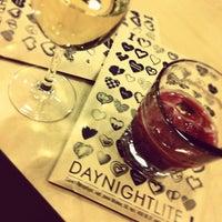 Снимок сделан в Day & Night Light пользователем Lesion D. 4/19/2012