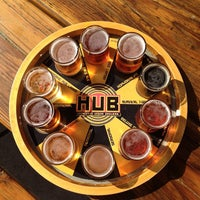 Foto tirada no(a) Hopworks Urban Brewery por Will S. em 7/13/2012