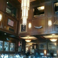 Foto tomada en McCormick & Schmick's Seafood and Steaks por Renae H. el 7/4/2012