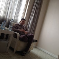 Photo taken at Qianyuan International Business Hotel by Артем К. on 3/22/2012