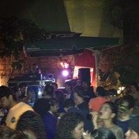รูปภาพถ่ายที่ Relic Bar โดย Victor P. เมื่อ 9/1/2012