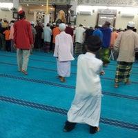 Photo taken at Masjid Jamek Haji Mat Saman by Hailan Anugrah A. on 7/27/2012