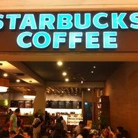 Photo prise au Starbucks par Andre Mathias S. le2/26/2012