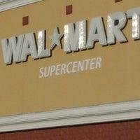 Das Foto wurde bei Walmart Supercenter von Leetarvous F. am 2/20/2012 aufgenommen