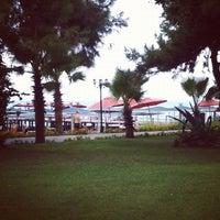 8/11/2012 tarihinde Ekaterina G.ziyaretçi tarafından Akka Antedon Hotel's Beach'de çekilen fotoğraf