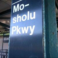 Photo taken at MTA Subway - Mosholu Parkway (4) by Yonit S. on 7/25/2012