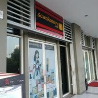 Photo taken at Sewakamera.com by Raya F. on 8/8/2012