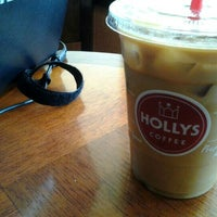 Photo taken at Hollys Coffee by Augusto A. on 7/17/2012