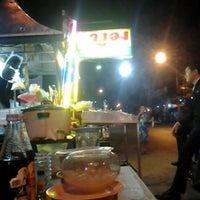 Photo taken at บูมอาหารตามสั่ง by Supawat S. on 6/11/2012