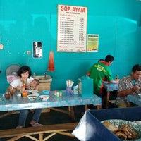8/22/2012에 Jaimy A.님이 Sop Ayam Pak Min Klaten에서 찍은 사진