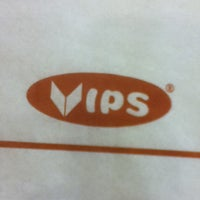 Photo taken at Vips by Claudia A. on 5/7/2012