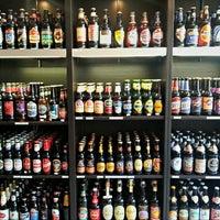 Das Foto wurde bei Bier & Beer von Alexei B. am 9/6/2012 aufgenommen