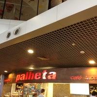 Photo taken at Cafeteria Palheta by Roberto G. on 6/1/2012
