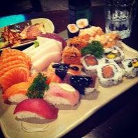 8/2/2012 tarihinde Jean B.ziyaretçi tarafından Hakka Sushi'de çekilen fotoğraf