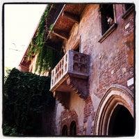 Das Foto wurde bei Casa di Giulietta von Yves P. am 8/8/2012 aufgenommen