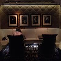 Foto tirada no(a) Bar Pleiades por Maritess D. em 8/18/2012