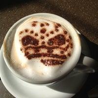 Photo taken at Cafe Monde by Alan K. on 5/22/2012