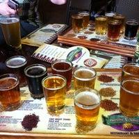 รูปภาพถ่ายที่ Tampa Bay Brewing Company โดย Daniela H. เมื่อ 6/30/2012