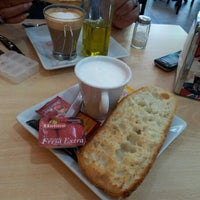 Photo taken at Horno - Cafetería Navarro by Verónica S. on 9/6/2012