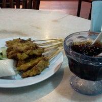 Photo taken at Restoran Yus by Sarah on 6/16/2012
