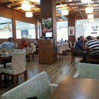 6/19/2012 tarihinde Ersin E.ziyaretçi tarafından Robert's Coffee'de çekilen fotoğraf