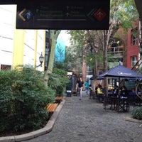 Foto tomada en Paseo La Plaza por Michelle B. el 6/28/2012