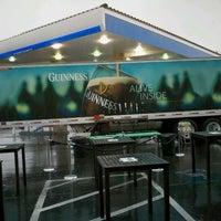 รูปภาพถ่ายที่ McMullan's Irish Pub โดย Scott R. เมื่อ 3/18/2012