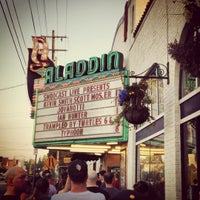 Das Foto wurde bei Aladdin Theater von Aaron C. am 8/18/2012 aufgenommen