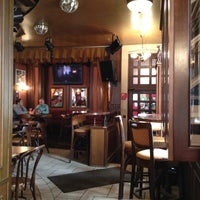 Foto tomada en Bobby Dazzler Pub por Nikolay P. el 5/24/2012
