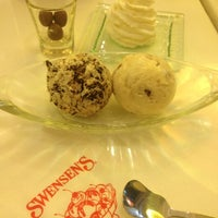 Photo taken at Swensen's by c h a c h a d a ∆ on 7/29/2012