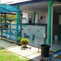 Photo taken at Masjid Alang Iskandar KDSK by Samsul N. on 3/24/2012