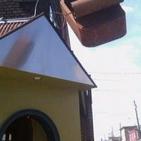 Foto tirada no(a) American Sardine Bar por Deuane H. em 4/14/2012